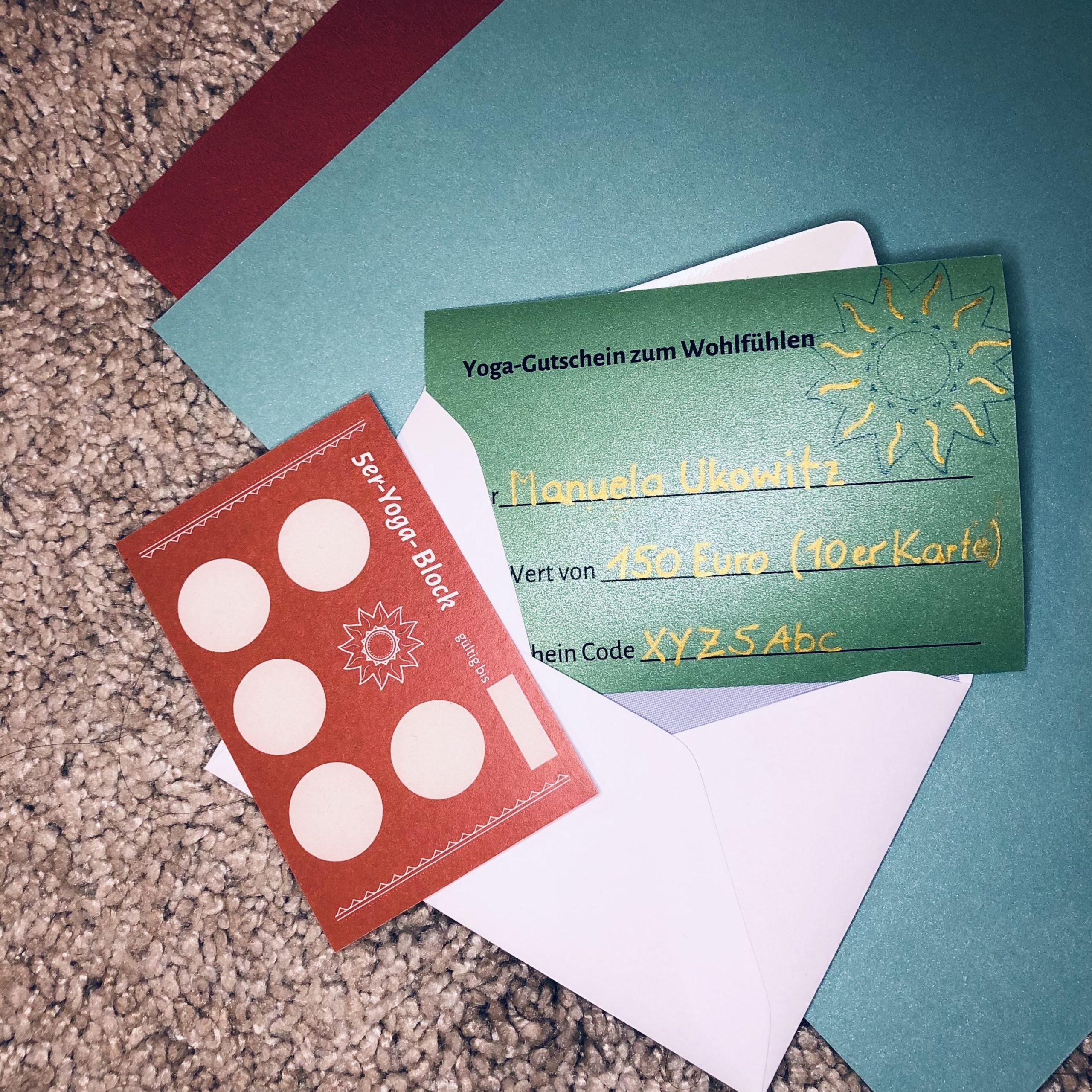 Weihnachts-Gutschein handbeschriftet, Tonpapier, Kuvert, 5er-Blockkarte